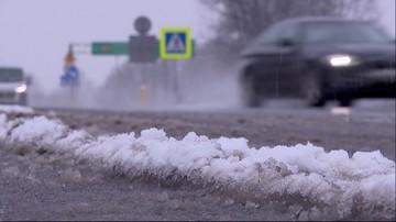 GDDKiA ostrzega: wiele dróg oblodzonych, pada śnieg i śnieg z deszczem